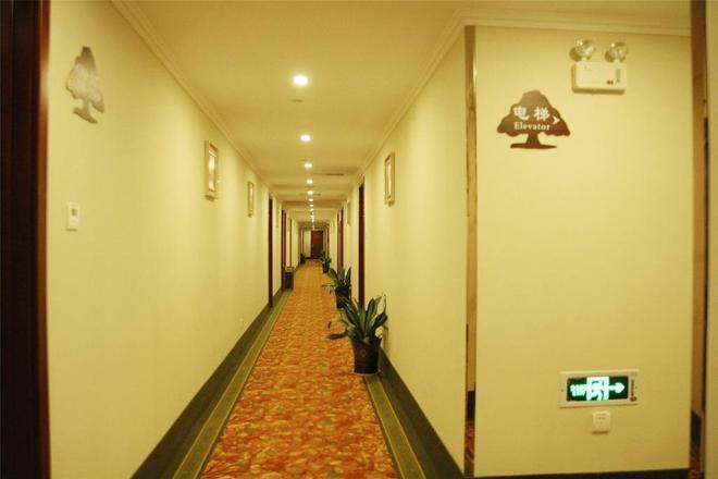 Greentree Inn Jiangxi Nanchang Railway Station Zhanqian Road Express Hotel - Nanchang - Hallway