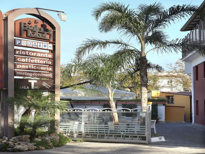Business Hotel - Casoria - Outdoors view