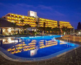 Miyakojima Tokyu Hotel & Resorts - Miyakojima - Pool
