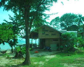 Tapik Beach Park Guest House - El Nido