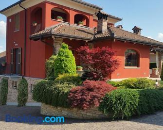 Villa Laura - Fossano - Gebouw