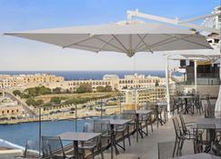 Holiday Inn Express Malta - St. Julian's - Building