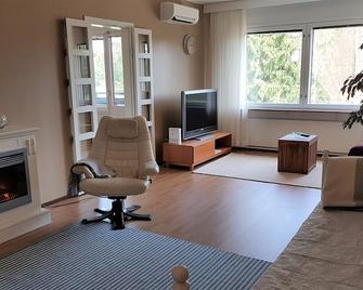 Cozy apartment with air-conditioning and balcony - Lahti