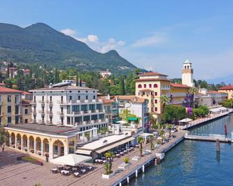 Hotel Du Lac Gardone Riviera - Gardone Riviera - Outdoor view
