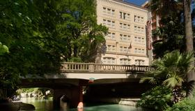 Drury Inn & Suites San Antonio Riverwalk - San Antonio - Rakennus