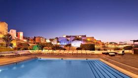 Radisson Blu Hotel, Marseille Vieux Port - Marseille - Pool