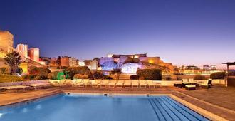 麗笙馬賽老港酒店 - 馬賽 - 馬賽 - 游泳池