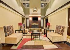 Ramada by Wyndham El Paso - El Paso - Lounge