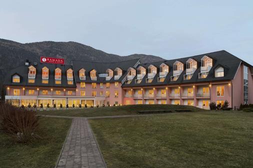 Ramada Hotel and Suites Kranjska Gora - Kranjska Gora - Building
