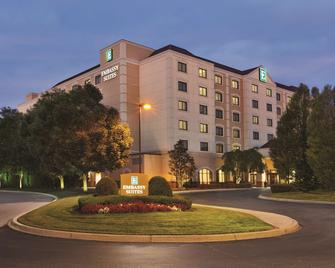 Embassy Suites by Hilton Louisville East - Louisville - Rakennus