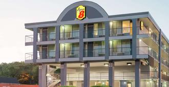 Super 8 by Wyndham Nashville Downtown - Nashville - Edificio