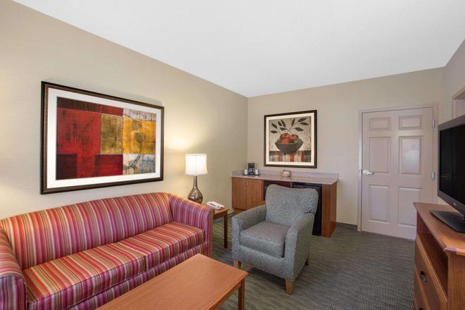 貝蒙特/勒瓊野營套房酒店 - 傑克遜維爾 - 傑克森維爾 - 客廳