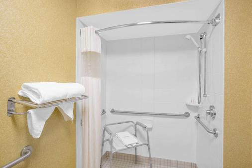 貝蒙特/勒瓊野營套房酒店 - 傑克遜維爾 - 傑克森維爾 - 浴室