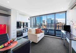 Aura On Flinders Serviced Apartments - Melbourne - Phòng khách