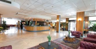 Hotel Minerva - ארצו - לובי
