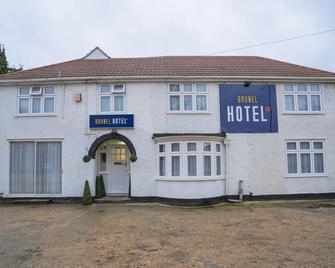 OYO Brunel Hotel - Uxbridge - Building