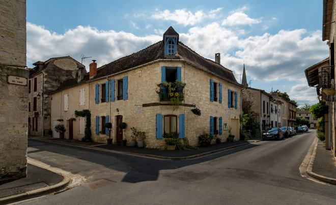Maison d'Angle - In the historical district - Eymet - Building