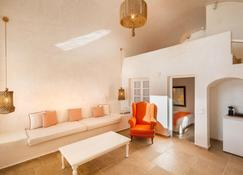 La Maltese Estate, Buddha-Bar Beach Santorini - เธียร่า - ห้องนั่งเล่น