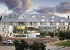 Ocean Centre Hotel - Geraldton - Building