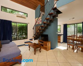 Tamarindo Blue Apartments - Tamarindo - Living room