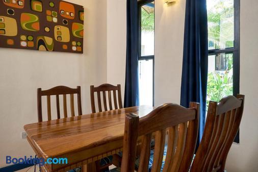Tamarindo Blue Apartments - Tamarindo - Phòng ăn