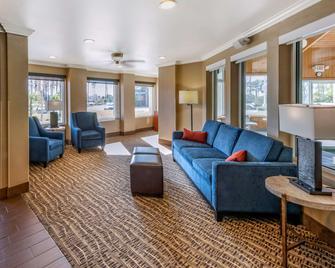 Comfort Inn Fontana - Fontana - Вітальня