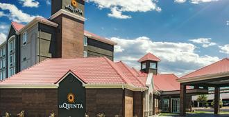 La Quinta Inn & Suites by Wyndham Las Vegas Summerlin Tech - לאס וגאס - בניין
