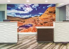 La Quinta Inn & Suites by Wyndham Las Vegas Summerlin Tech - Las Vegas - Recepción