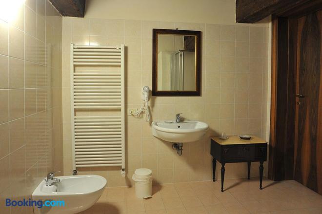 Hotel La Corte - Correzzola - Bathroom