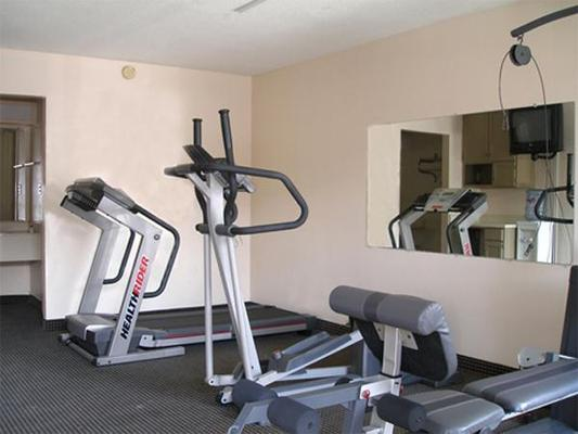 Americas Best Value Inn Laredo - Laredo - Salle de sport