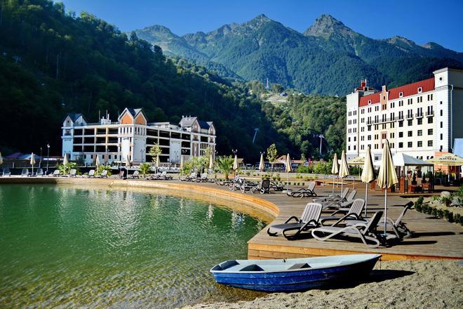 Radisson Hotel, Rosa Khutor, Sochi - Estosadok - Παραλία