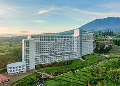 Le Eminence Puncak Hotel Convention & Resort - Puncak - Building