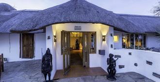 Trans Kalahari Inn - Windhoek - Building