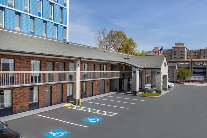 Econo Lodge Downtown - Augusta - Κτίριο