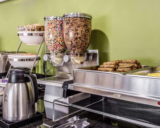 Sleep Inn Greenville - Greenville - Buffet