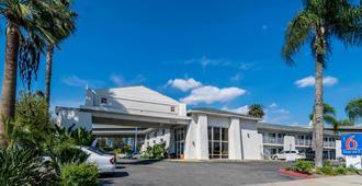 Motel 6 Redlands Ca - Redlands - Building