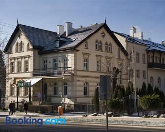 Willa Zuzanna - Kudowa-Zdrój - Building