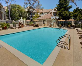 Hyatt House Belmont Redwood Shores - Belmont - Bazén