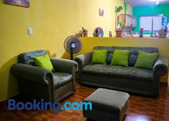 Casa Itzayana - Flores - Sala de estar