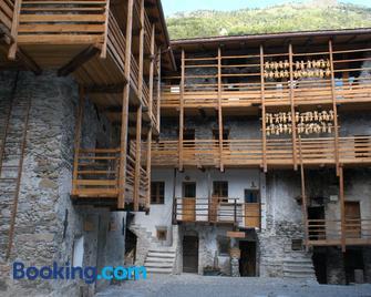 Contrada Beltramelli - Tirano - Building
