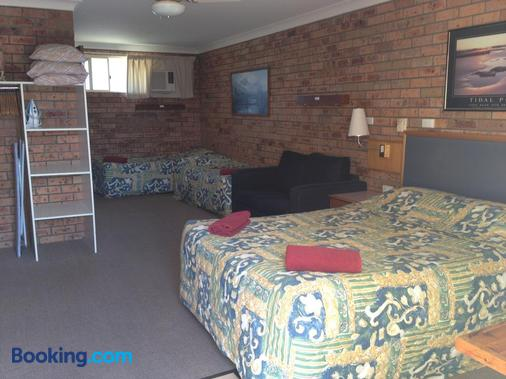 Beach Drive Motel - Batemans Bay - Bedroom