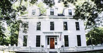 Judson Heath Colonial Inn - Saugatuck - Building