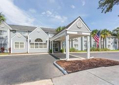 Microtel Inn & Suites by Wyndham Gulf Shores - Gulf Shores - Building