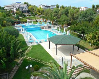 Almira Mare - Chalcis - Pool