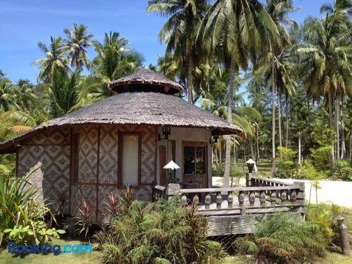 Malibu Beach Bungalows - Ko Pha Ngan - Building