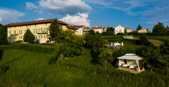 Relais Villa D'Amelia - Alba - Outdoors view