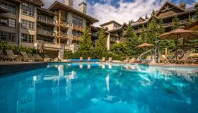 Blackcomb Springs Suites By Clique - Whistler - Piscina
