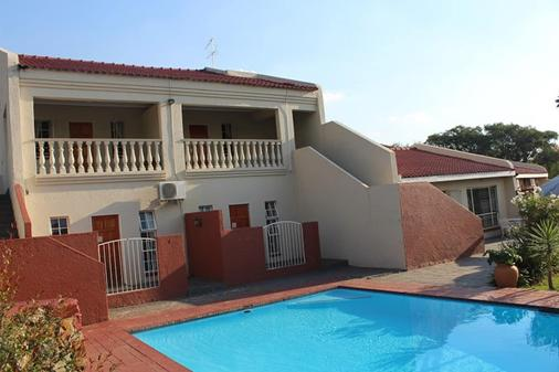 Flamboyant Guest Lodge - Johannesburg - Uima-allas