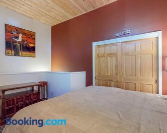 Casa Feliz - Tahoe Vista - Bedroom
