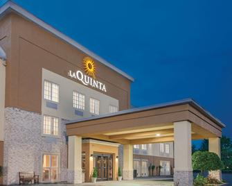 La Quinta Inn & Suites by Wyndham Knoxville North I-75 - Knoxville - Gebouw